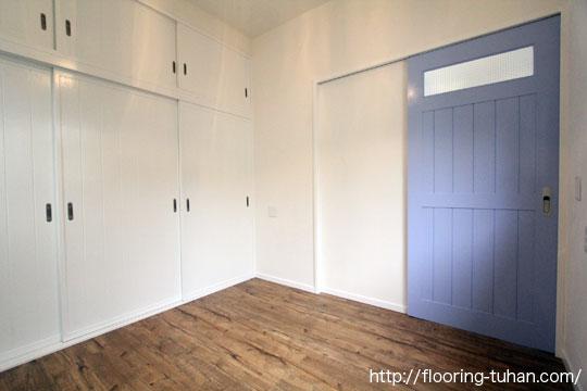 杉羽目板無塗装品を自分好みに着色して使用した戸建て住宅