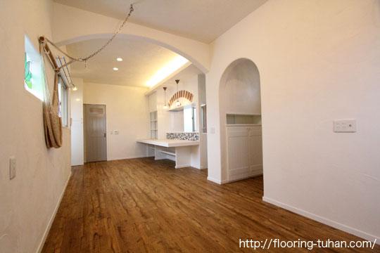 PVCフローリング(デコクリック)を戸建て住宅の床材として採用
