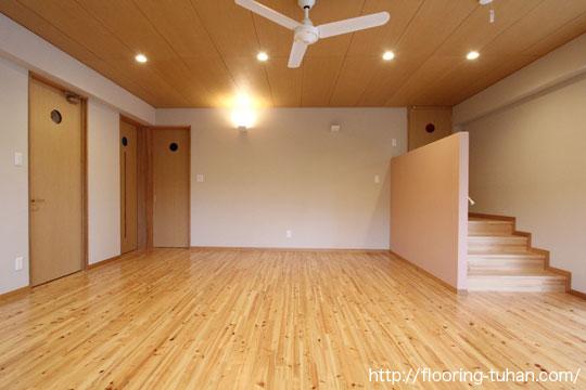 桧を各部屋の床材として使用(ヒノキ、ひのき)