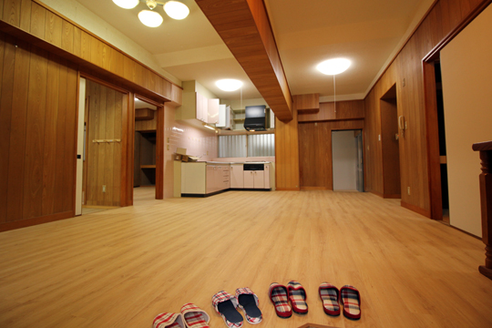 築20年の共同住宅(3LDK)の床材リフォームで、デコクリックフローリングを使用した物件2