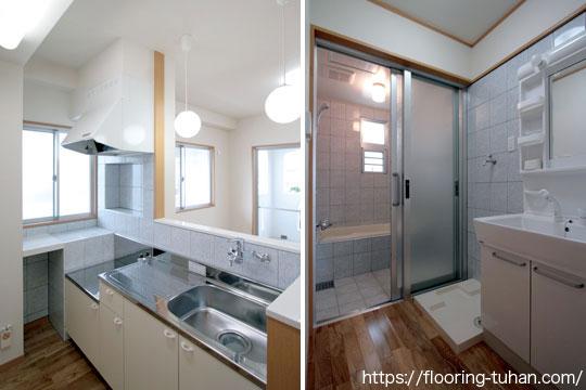 白フローリングを使用したキッチン/脱衣所