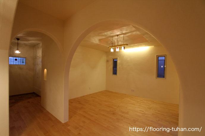 カバ桜無垢フローリングを使用した子供部屋(寝室)