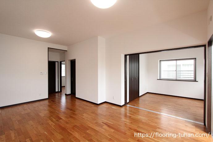 チェリー無垢フローリングを住宅の床材として使用した戸建て住宅(2世帯住宅)