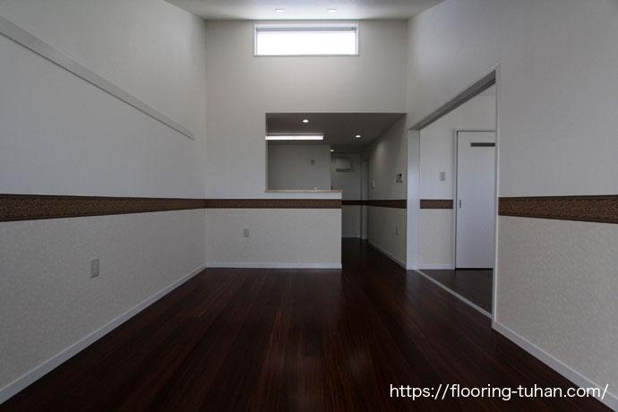 一枚物の高級材、ククフローリングを共同住宅の4階部分の床材として使用