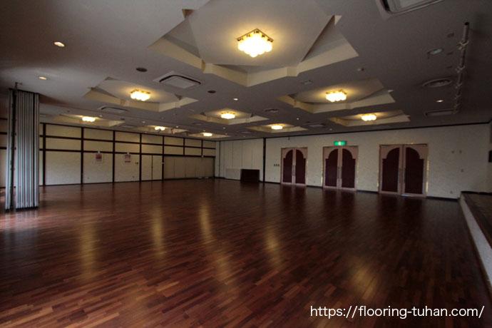 メルバオ無垢フローリングを結婚式場の床材ととして使用