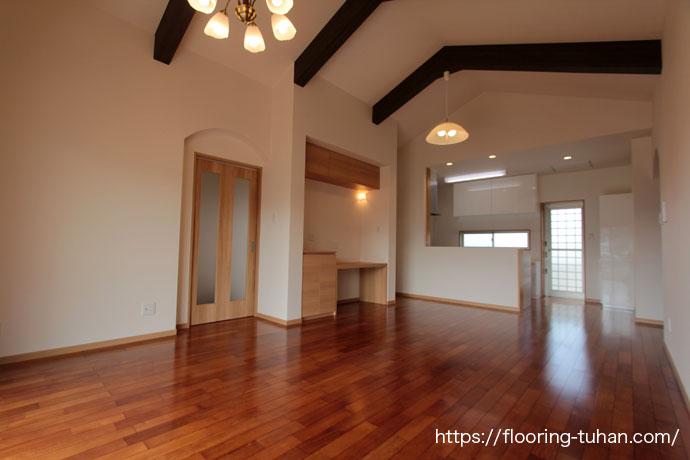 ライトメルバオ材を戸建住宅の床材として使用したお宅