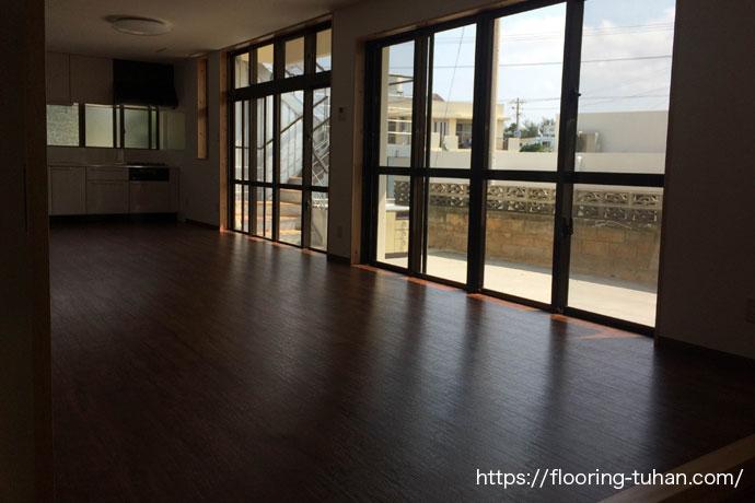 デコクリックフローリング(PVC)を戸建住宅の床リフォームで使用(置くタイプ/敷くタイプのフローリング)