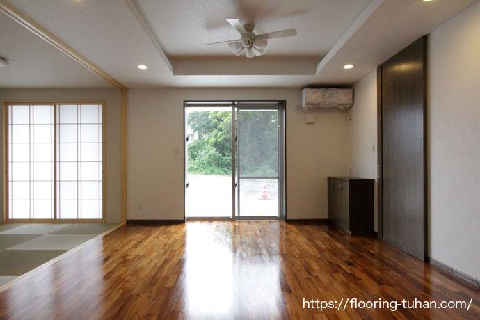 広々としたリビングにはチーク75巾フローリングを使用、和室との相性もとても良いフローリング