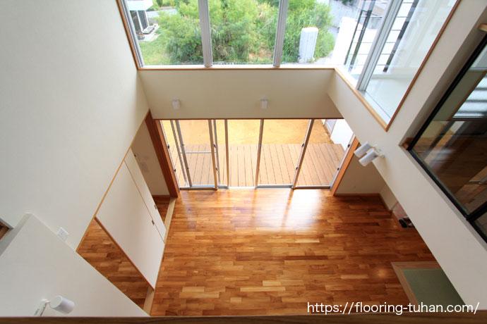 2階から見下ろす吹抜け