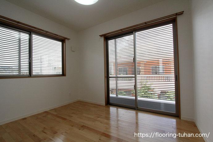 カバ桜フローリングを使う事で部屋が広く見える