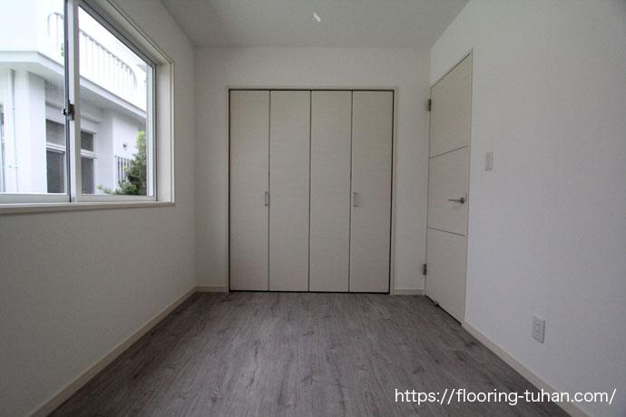 PVCフローリング(デコクリック)を部屋の床材として使用したアパート