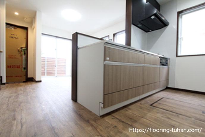 PVCフローリング(デコクリック)をアパートの床材として使用