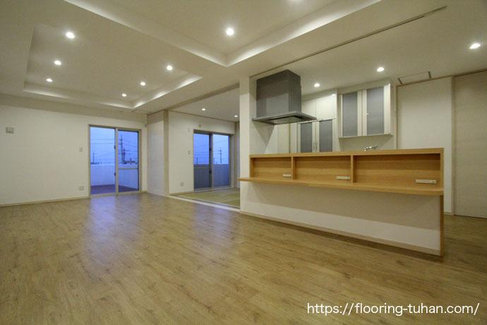 カバ桜無垢フローリングをご採用いただいた平屋2世帯住宅をご紹介いたします。