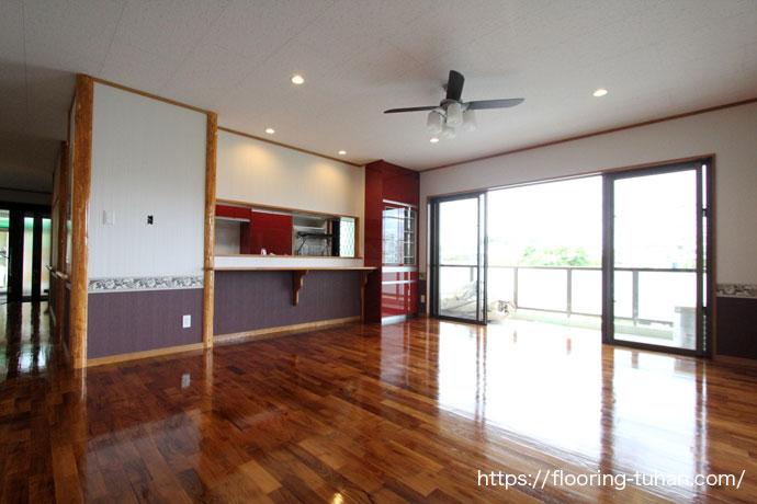 チーク無垢フローリングの無塗装品で木の雰囲気楽しむお家