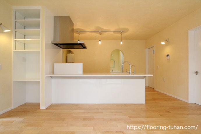 カバ桜無垢フローリングを使用した沖縄県うるま市の戸建て住宅をご紹介します!