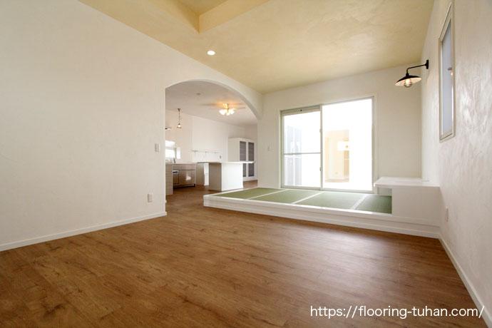 PVCフローリング(デコクリック)、カバ桜フローリングをご採用いただいた二世帯住宅をご紹介します